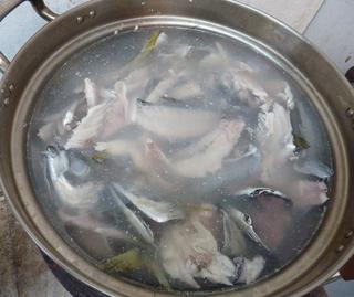 魚のあら捨ててますか02.JPG