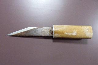 魚を締める刃物.jpg